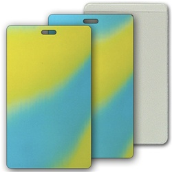 Lenticular luggage tag with yellow, blue, and green, color changing with