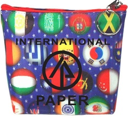 Lenticular zipper purse with international flags including USA, Mexico, Canada, France, Israel, Switzerland and more, depth
