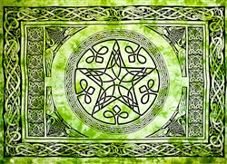 Celtic Pentacle Tapestry 69'x108' (Green)