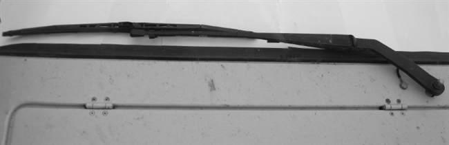 NEW STYLE  Wiper Arm with New Blades GM23-100-5C