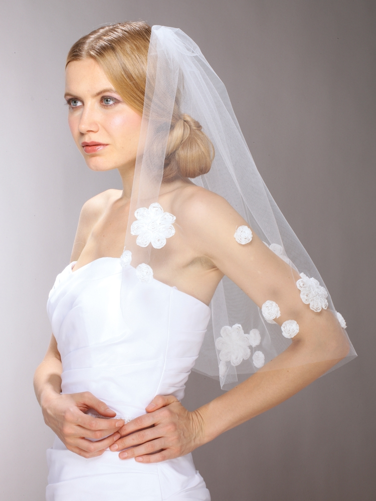 "Chic 60's Mod Wedding Veil with Cut Trim Daisies - Ivory - 36"" Fingertip<br>3926V-I-36"
