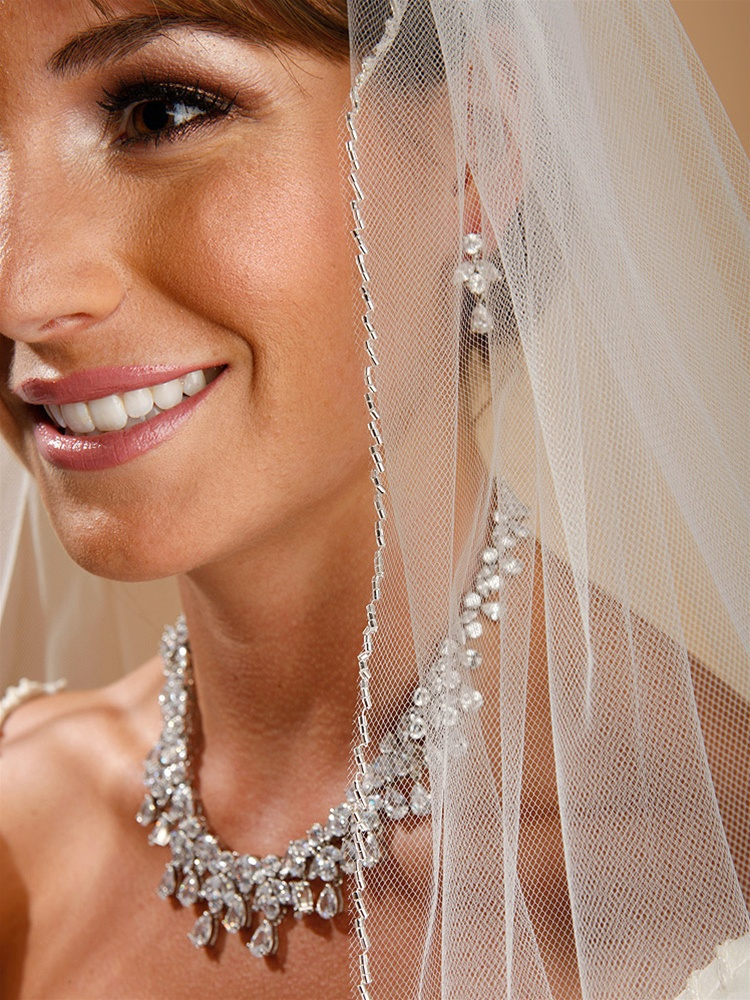 "One Layer Bridal Veil with Zig Zag Bugle Bead Edging - White/Silver - 40""<br>910V-40-W"