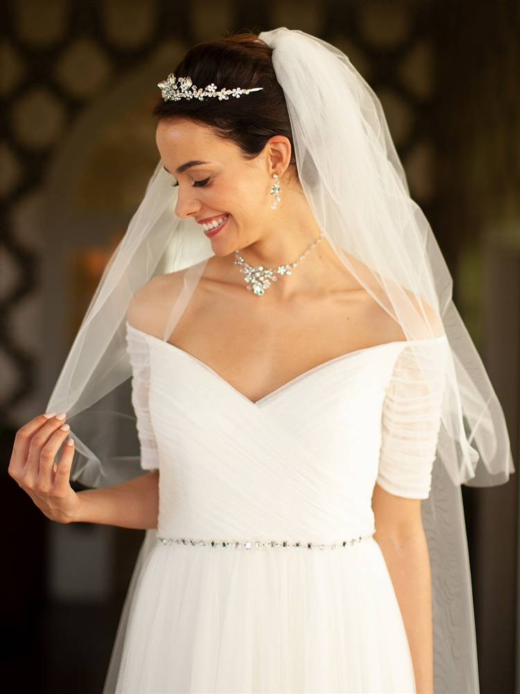"Two Layer Cut Edge Bridal Veil - White - 30""/42""<br>928V-42-W"