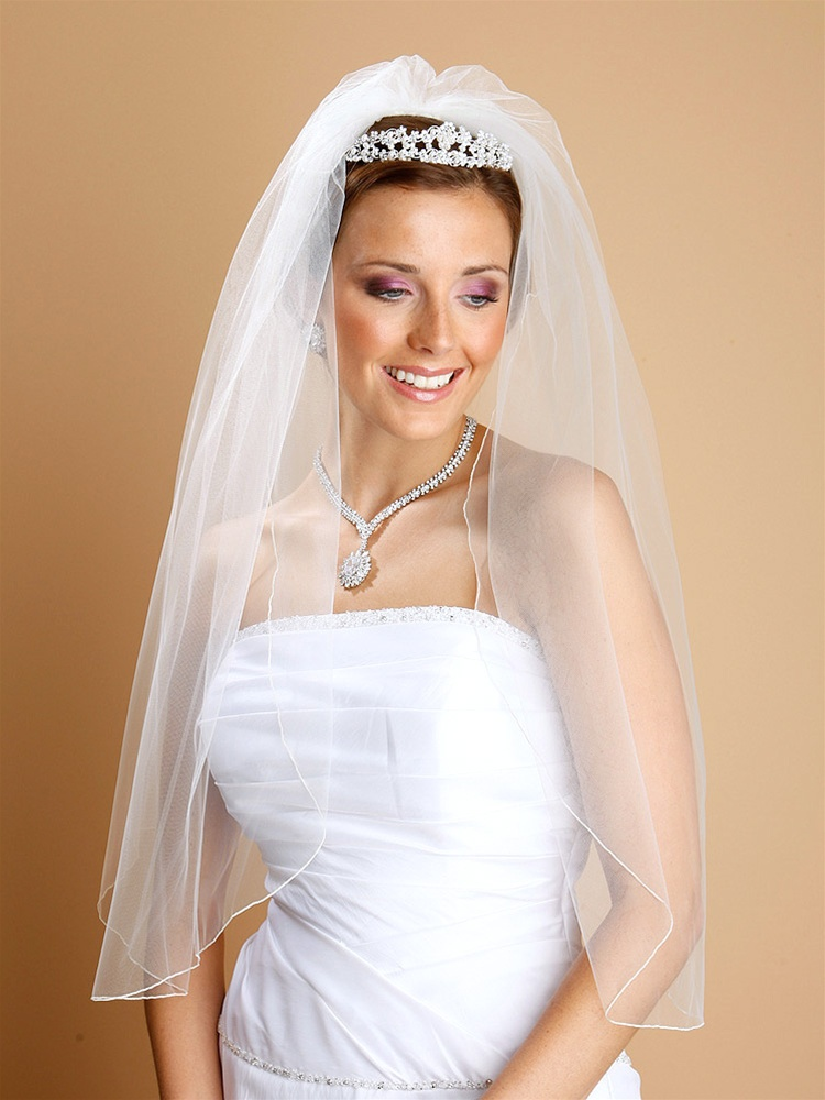 "30"" Elbow Length 1-Layer Bridal Veil - Rolled Pencil Edging - Ivory<br>938V-30-I"