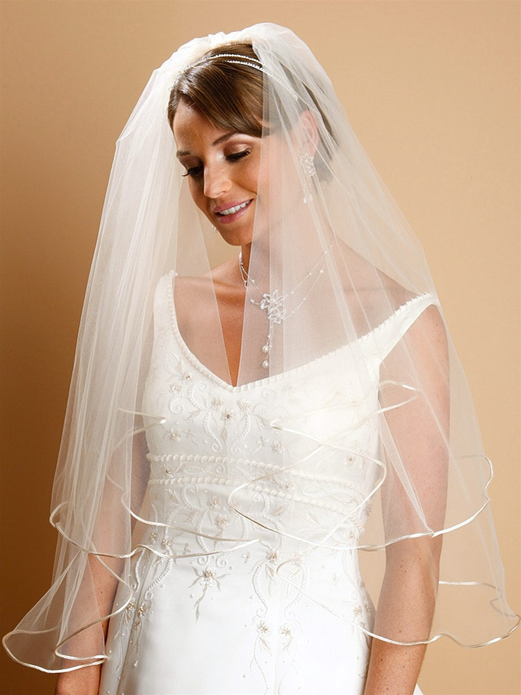Two Tier Circular Cut Satin Corded Edge Bridal Veils - White<br>940V-25-W-W