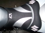 Custom GSXR 600/750/1000 Front Seat Black Carbon Fiber With Black/Silver/Chrome Embroidering