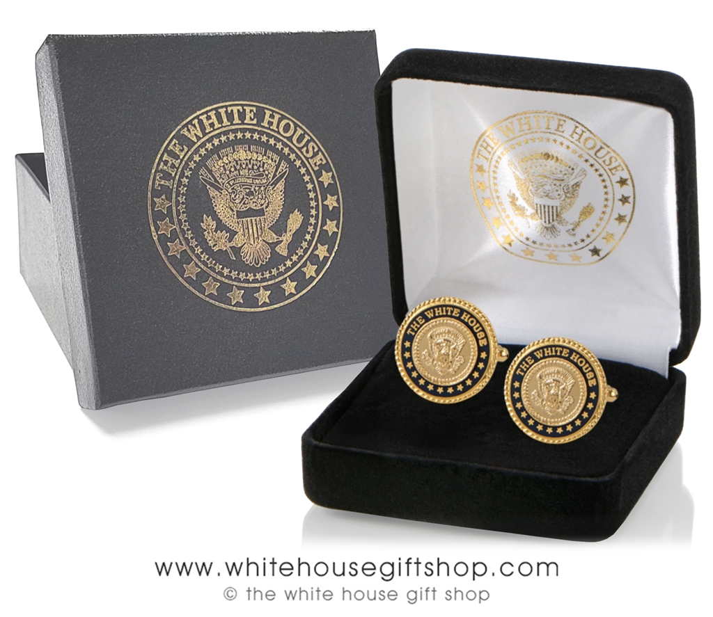PRESIDENT TRUMP  PAPERWEIGHT ETCHED GLASS GOLD EAGLE SEAL RARE COLLECTIBLE