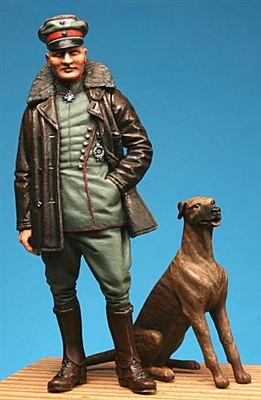 Model Cellar MC32004 - Manfred von Richthofen (with Moritz)