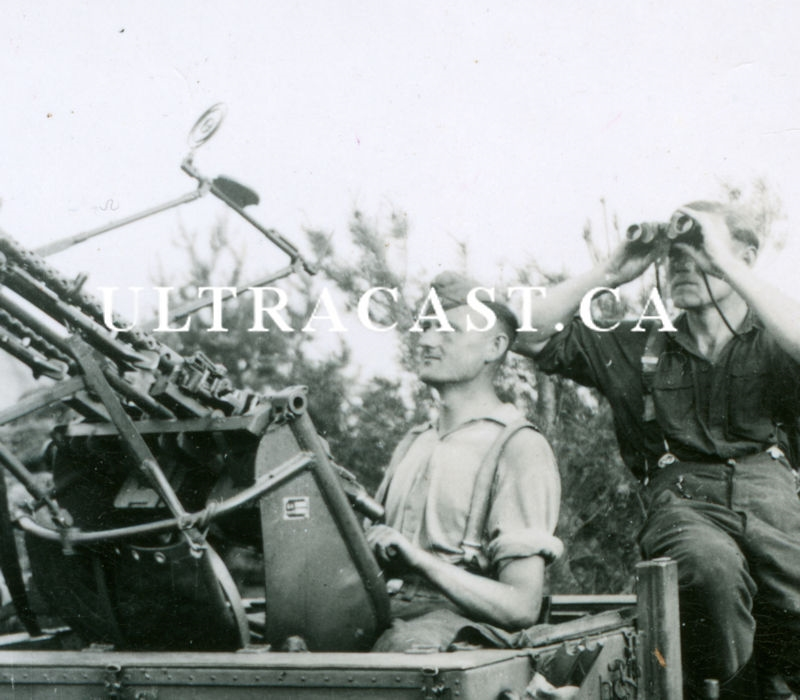 German MG34 Zwilling and Crew Scanning the Sky, Original WW2 Photo