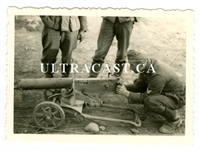 SS Soldier Examining Captured Russian Maxim Machine Gun, Original WW2 Photo