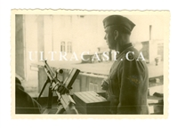 German Soldier with a ZB 26 MG 26(t) Machine Gun, dated 1942, Original WW2 Photo