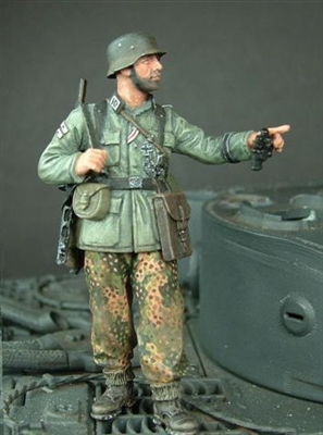 Wee Friends 35020 - WWII German Infantryman with PPSH