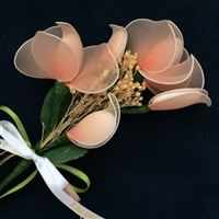 Florenza Orange Blossom Confetti Flower holds five sugared almonds in the petals