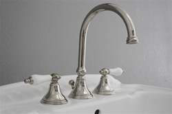 "<span class=""newbadge"">Clearance Sale!</span>EFSPN Edwardian Sink Faucet in Polished Nickel<br>"