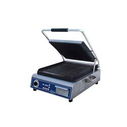 ChefsFirst offers equipment & supplies for restaurants, commercial kitchens, foodservice & manufacturing facilities. Check out our low price for thisPanini Grill, Large Single Grooved Top And Bottom - 120V, GPG14D by Globe .