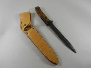 VZ58 BAYONET WITH LEATHER SCABBARD