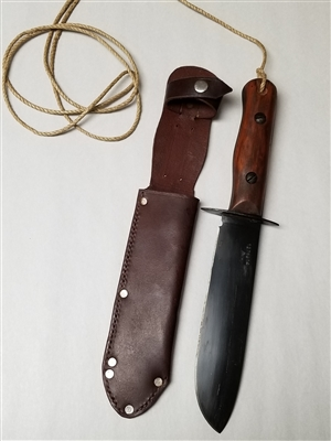 BRITISH ARMY SURVIVAL KNIFE WITH LEATHER SCABBARD.