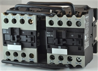 TC2-D2511-G6...3 POLE REVERSING CONTACTOR 120/60VAC, WITH AC OPERATING COIL, N O & N C AUX CONTACT