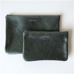 M leather pouch flat evergreen smoke