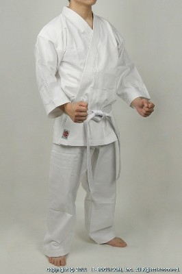 Top quality BUTOKU Medium Weight Karate Uniform Set (WHITE)