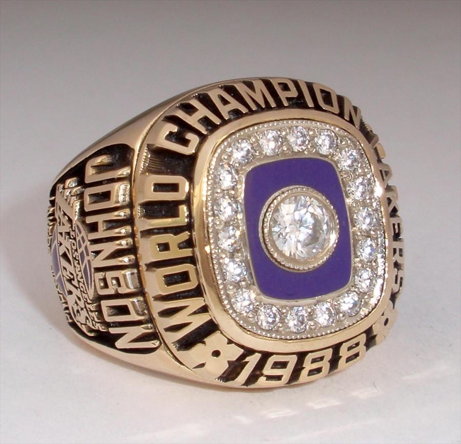 "1988 Los Angeles Lakers NBA ""World Champions"" 10K Gold Ring"