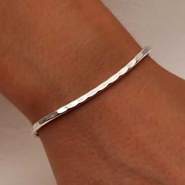 kana img solid jewellery shop bangles hammered coast silver bangle