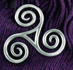 Triskele Celtic Pin (#JPEW6067)