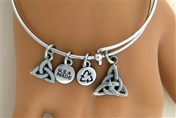 Blissful Trinity Charm Bangle( RPEW23)