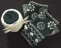 Dalarna Snowflake Mitts In Color Twined Knitting