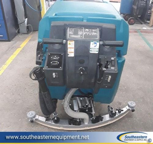 Tennant Floor Scrubber Industrial Floor Scrubber Rental - Warehouse floor scrubber rental