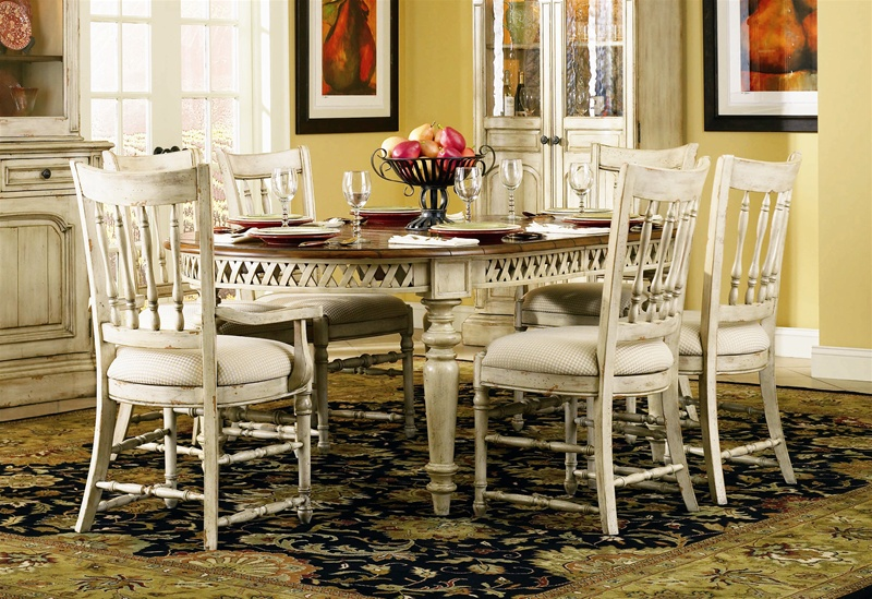 summerglen 7 piece oval leg dining table with spindle back chairs in two tone off white finish. Black Bedroom Furniture Sets. Home Design Ideas