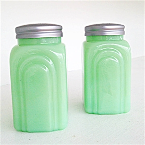 Jadeite Milk Glass | LaBelle's General Store Spring Kitchen Tableware