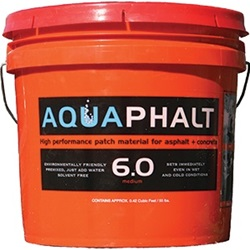 Aquaphalt 6.0 Black Asphalt Patch 3.5 Gallon