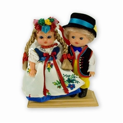 Silesia (Slask) named for the Slezanie, these dolls are wearing the traditional dress from Slask. Wonderfully crafted.
