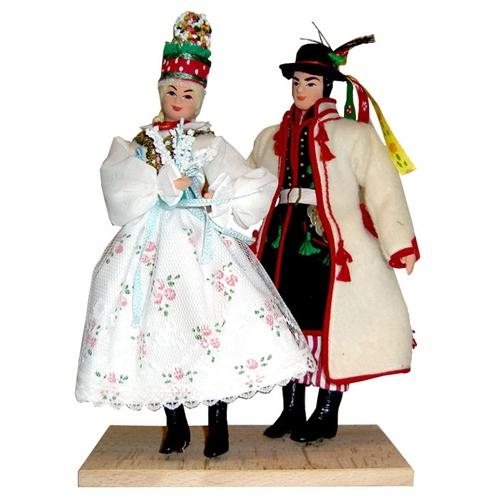 Traditional Polish Wedding Gifts: Krakow Wedding Couple