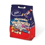 A selection of 8 different individually wrapped Polish chocolates. Includes fruits, nuts, caramels and of course lots of delicious Polish chocolate in an attractive cello red, white and blue bag.