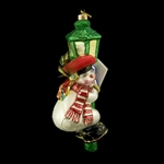 Highly detailed and featuring a Swarovski crystal on his hat this Krakow snowman is a perfect example of the Edward Bar attention to detail.  Our Polish snowman is wearing his Krakow hat and patriotic scarf of red and white, the colors of Poland's flag.