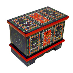 Traditional folk chests were used to store the most precious objects in a peasant's house. Their owners used to keep the dowry, festive costumes, special festive candles, rosaries, family treasures, linen, money and documents. Some of the wealthier brides