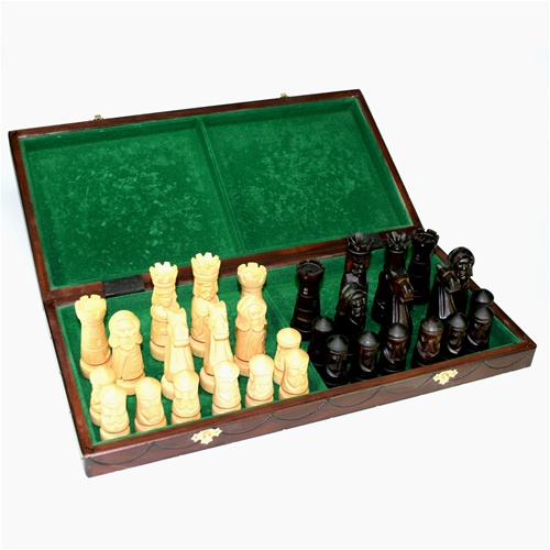 Castle Polish Chess Set