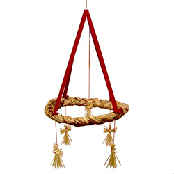 Straw making is an old tradition in the Lublin area of Eastern Poland, this beautifully hand plaited straw mobile is a spectacular example of the craftsmanship of the area. This ornament features angels with straight bottom edge.