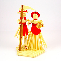Decorate your home with a little bit of Polish folk art.  These straw decorations are made entirely by hand by a single family from the Lublin area where ornaments made of straw is an old tradition.