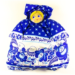 Gorgeous hand made cloth tea cozy made in Russia. Our Russian maiden is dressed in a traditional folk costume and fits nicely over most teapots. This doll is completely handmade. The head is a hand painted wood plaque. Notice the fine attention to detail