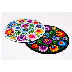 Classic Polish paper cut (wycinanka) design with a flower motif on a mouse pad. This is a flexible, soft, rubber composite mouse pad with a non skid back.. Available with either a white or black background.