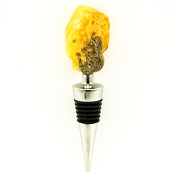 Modern design chrome-plated wine stopper with a large chunk of highly-polished honey amber at the top.  Soft-rubber segmented gasket ensures a tight seal in the neck of the bottle.