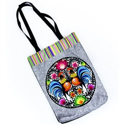 Heavy duty tote bag in 100% polyester which features the beautiful Lowicz roosters design with a small inside pocket. Waterproof.