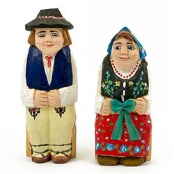 Hand carved and painted by folk artist Tadeusz Lesniak, our little couple is dressed in Goral costumes from southern Poland.