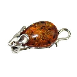Our Honey Amber Mouse Pin, has the look of fabulous costume jewelery of the 60's when bugs, bees and all types of Flora and Fauna were such popular themes.