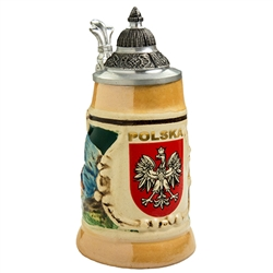This is a very handsome mini stein! What a great gift for any occasion! The Polish Eagle is proudly displayed in a crest with POLSKA (POLAND) in gold letters. This beautiful stein is hand made and painted.