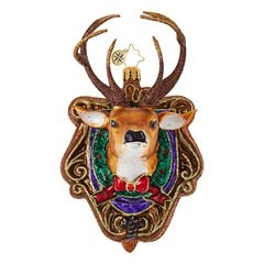 Hunters and outdoorsy types will be charmed by this ski lodge-look mounted deer head decked out for the season!