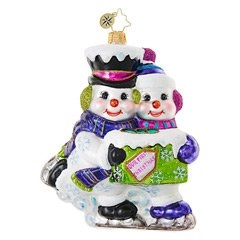 This snowy couple loves nothing better than to skate side-by-side in blissful synchronicity. Celebrate your first holiday romance with this delightful Christmas ornament for your tree!